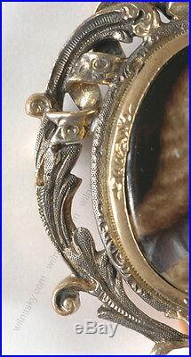 Portrait of a French  aristocrat enamel miniature, 18/19th century